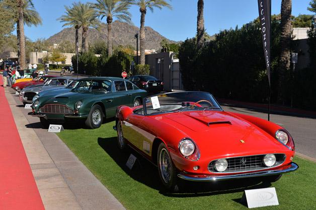 フェラーリ「250 GT LWB カリフォルニア スパイダー」が約9億2000万円で落札