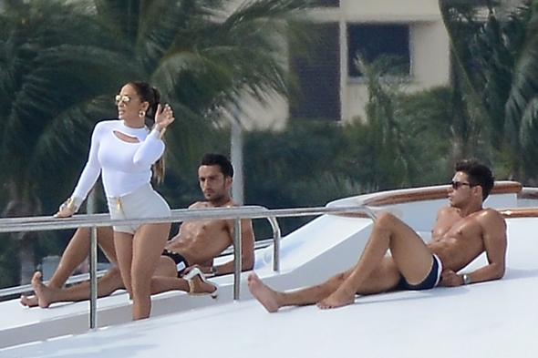 Jennifer-Lopez-video-shoot-white-shorts-yacht-miami-florida