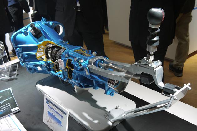 【東京モーターショー2013:日本のモノ作り】アイシンのマニュアル・トランスミッション