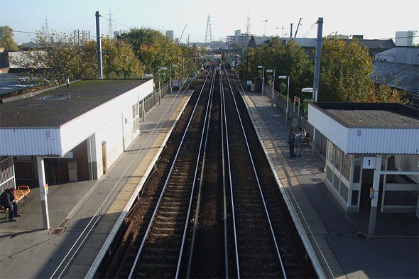 woman electrocuted by live wires after climbing on train at hackney wick station