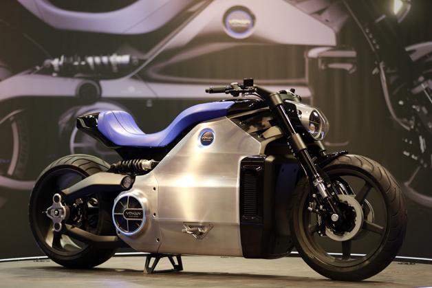 【ビデオ】世界最強のEVバイク 「Voxan Wattman」がパリモーターサイクルショーに登場