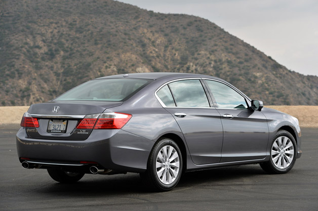 2014 honda accord v6 touring autoblog for Honda accord base model