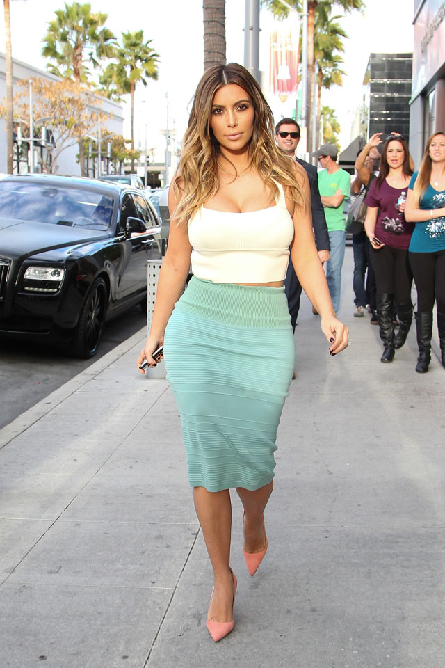 LOS ANGELES, CA - JANUARY 06: Kim Kardashian is seen on January 06, 2014 in Los Angeles, California.  (Photo by Pixplus/Bauer-Griffin/GC Images)