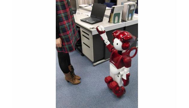 日立 Emiew 2 机器人:放心,我不会撞到你