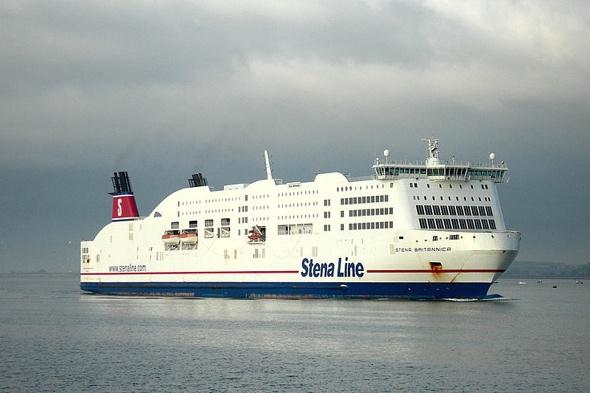 two-passengers-jump-off-ferry-stena-britannica-suffolk