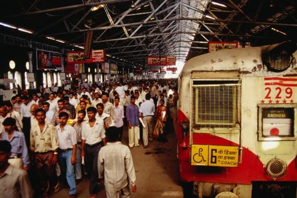 student-dies-falling-train-avoid-ticket-inspector-india