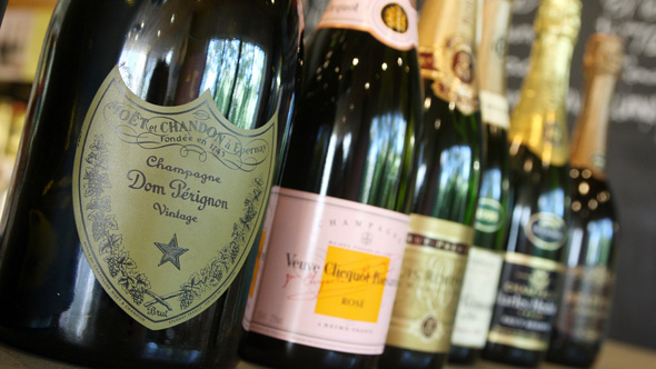 Champagne industry calls for an end to supermarket deals