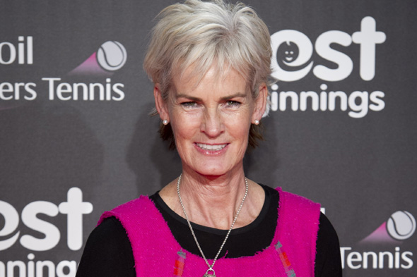 judy murray defends son andy over hotel eviction row