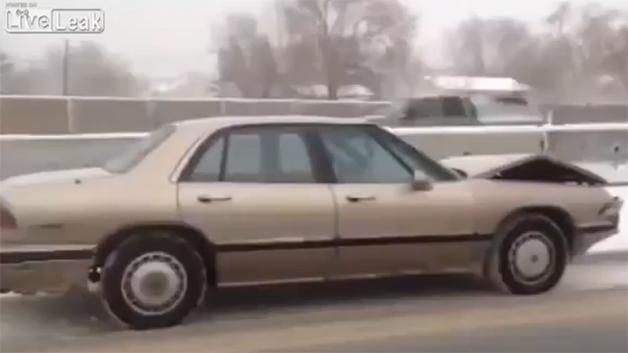 【ビデオ】雪の高速を無人のビュイックが走っているわけとは?