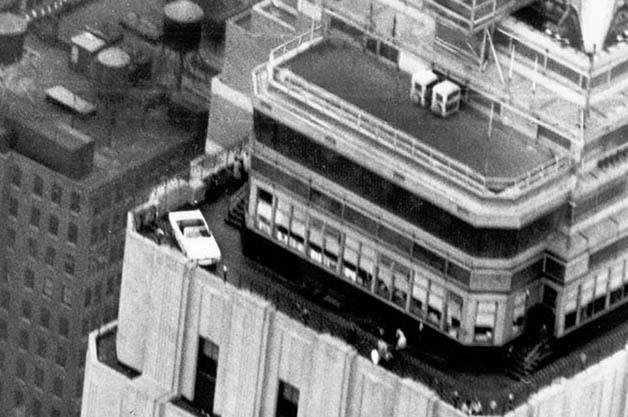 50年前と同じ!「マスタング」をエンパイア・ステートビル86階の展望台に運ぶ方法とは!?