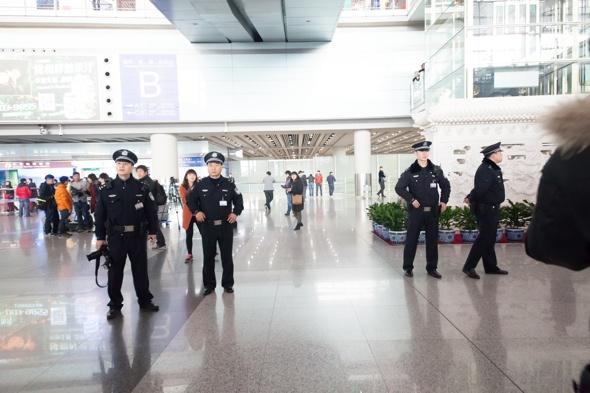 man-arrested-beijing-airport-bomb-in-bottom-remark
