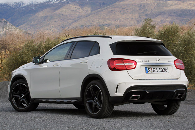 2015 mercedes benz gla250 4matic w video autoblog for Mercedes benz gla 250 review