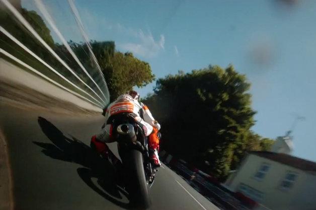 【ビデオ】大迫力! 世界で最も過酷なバイクレース、「マン島TT」のオンボード映像!!