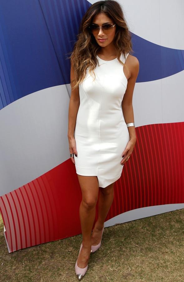 nicole-scherzinger-white-minidress-british-airways-vip-lounge-taste-of-dubai