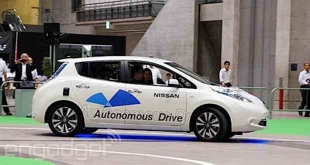 Nissan Leaf 原型車成為踏上日本高速路的首款無人駕駛車輛(影片)
