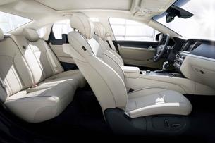 2015 Hyundai Genesis interior