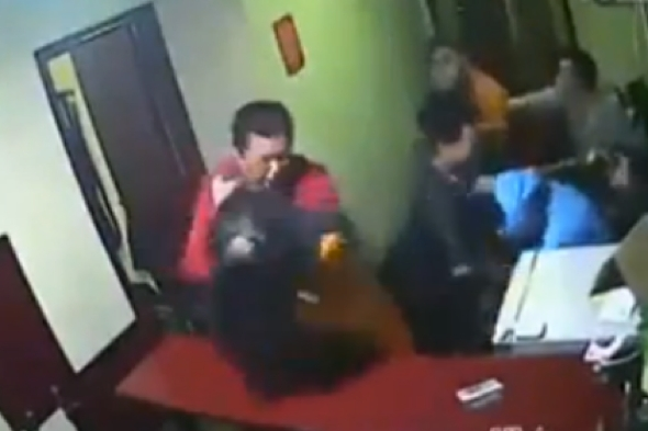video-fight-hotel-guests-staff-china