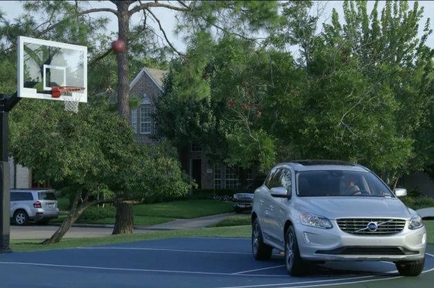 【ビデオ】NBAのジェレミー・リン選手が出演するボルボ「XC60」のCM