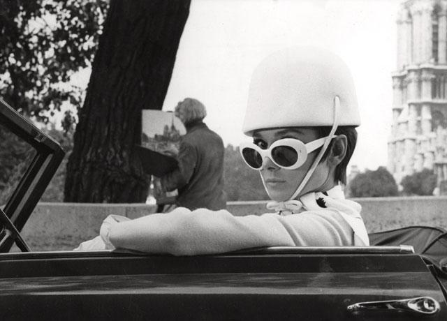 audrey-hepburn-wearing-sunglasses