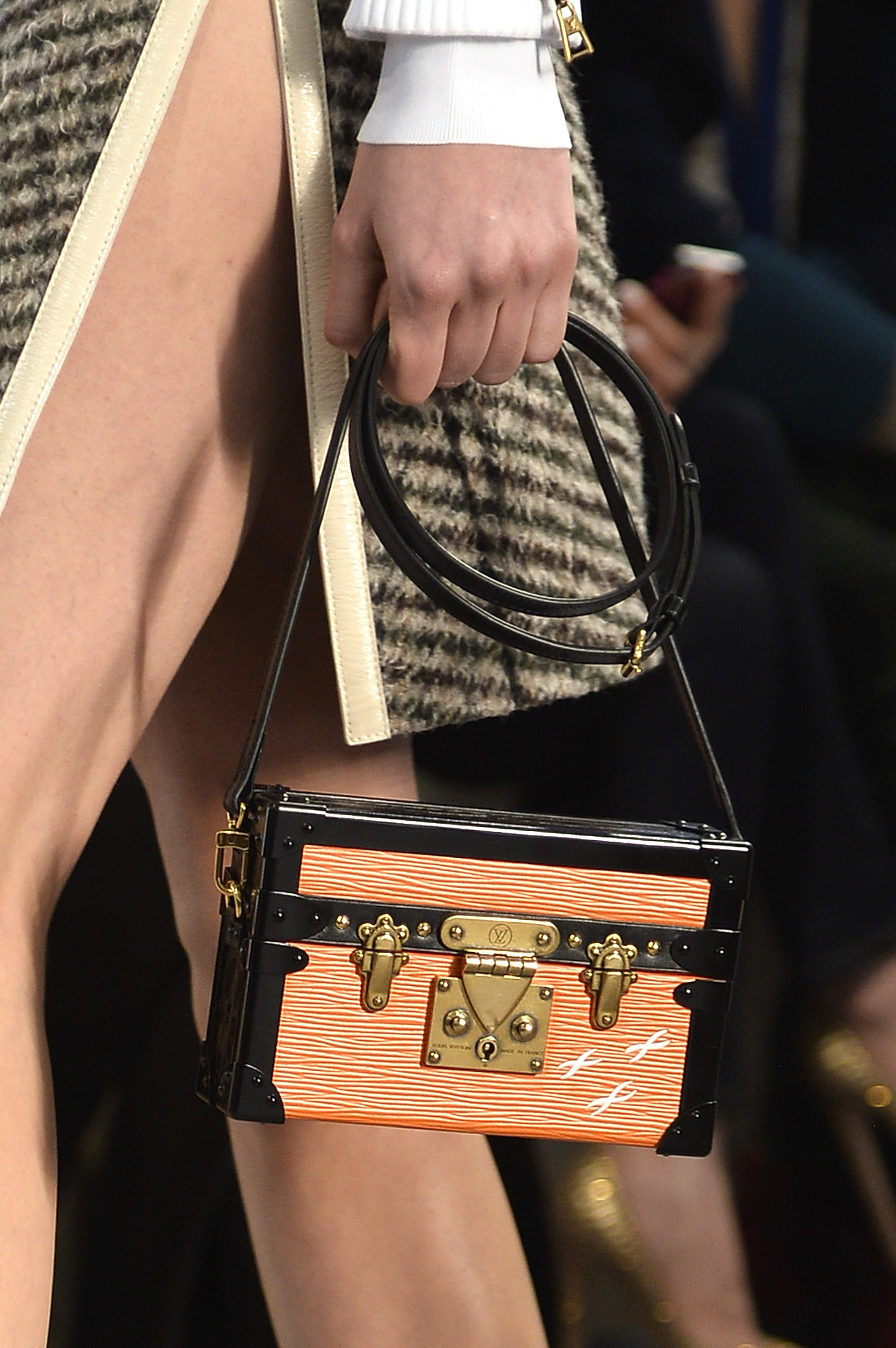 Louis Vuitton : Runways - Paris Fashion Week Womenswear Fall/Winter 2014-2015
