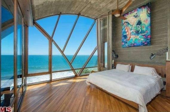 John Lautner's Stevens home Malibu, bedroom