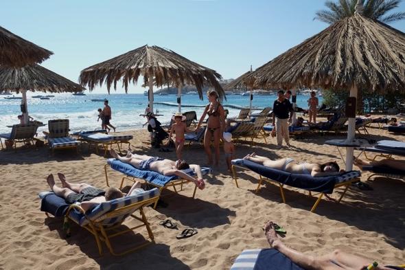 two-egypt-hotels-shut-over-british-tourist-rape-allegation