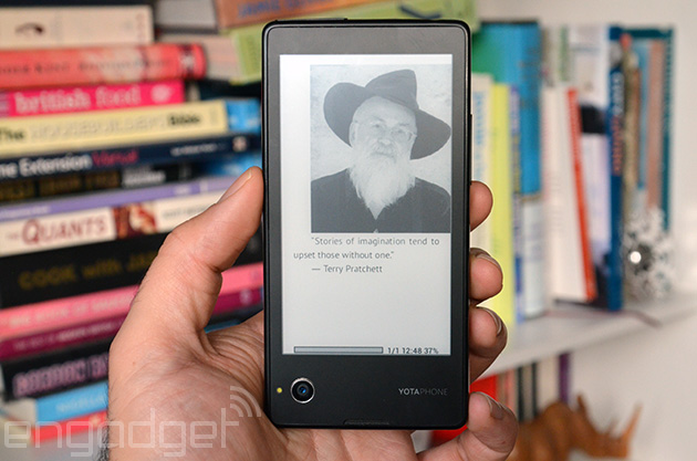 YotaPhone 的 E Ink 螢幕終於可以讀取更多檔案格式