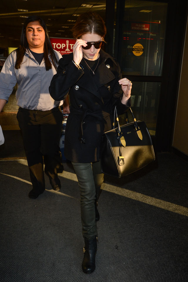PARK CITY, UT - JANUARY 17:  Actress Anna Kendrick leaves the Salt Lake City Airport on January 16, 2014 in Salt Lake City, Utah.  (Photo by Ray Tamarra/GC Images)