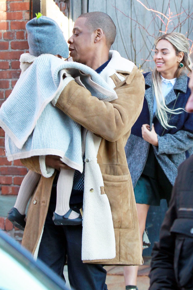 Jay Z and Beyonce leave Frankies Spuntino with baby Blue Ivy after lunch. January 19. 2014 X17online.com OK FOR WEB SITE USAGE. Any quieries please call Alasdair or Gary on office 0034 966 713 949/926 or mibile Gary 0034 686 421 720 or Alasdair on 0034 630 576 519