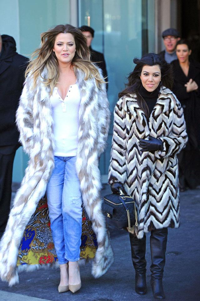 Mandatory Credit: Photo by Buzz Foto/REX (3576848l) Khloe Kardashian and Kourtney Kardashian 'Keeping Up With The Kardashians' on set filming, New York, America - 17 Feb 2014