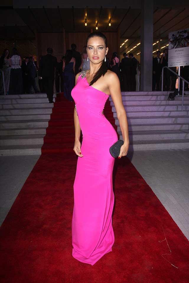adriana-lima-pink-dress