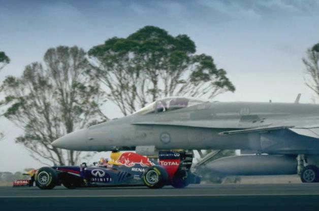 【ビデオ】レッドブルのF1マシンがオーストラリア空軍の戦闘機と対決!