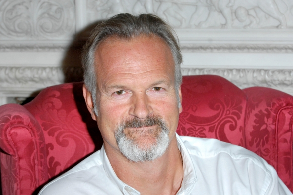 Casualty-actor-Clive-Mantle-ear-bitten-off-hotel-attack