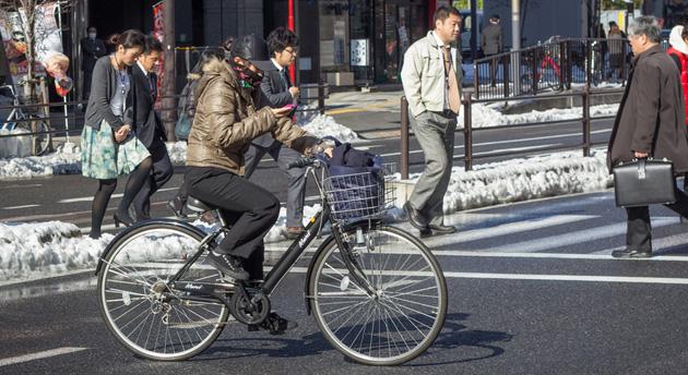 日本政府将为国内手机加入导弹袭击、恐怖活动等警报功能