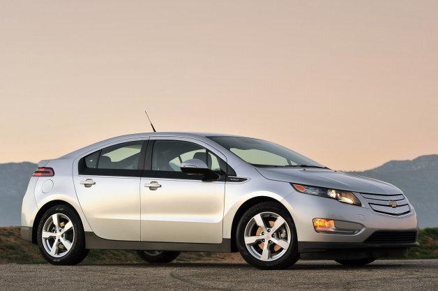 電気自動車の購入意欲をそぐ2万5000ドルの価格の