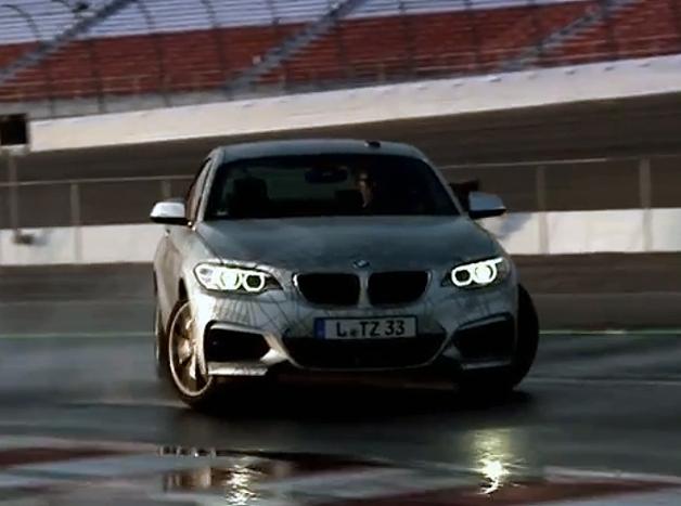 【ビデオ】無人車がドリフト! BMWが公開した最新自律走行システム