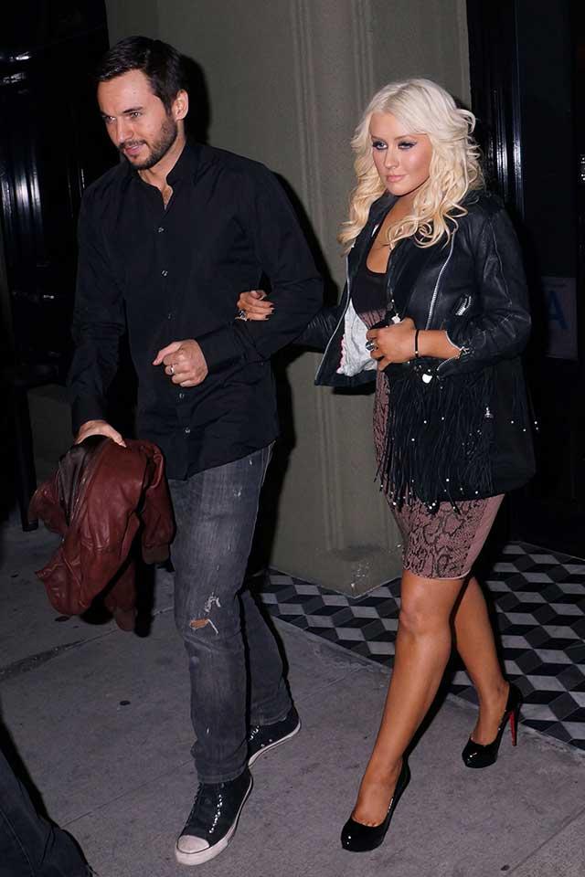 Christina-Aguilera-engaged
