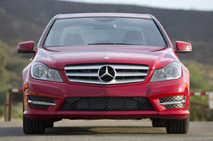 2013 Mercedes-Benz C250 Sport front view