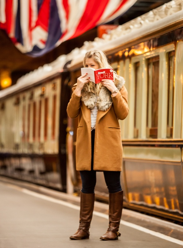 smell-york-scratch-and-sniff-travel-guide-tourists