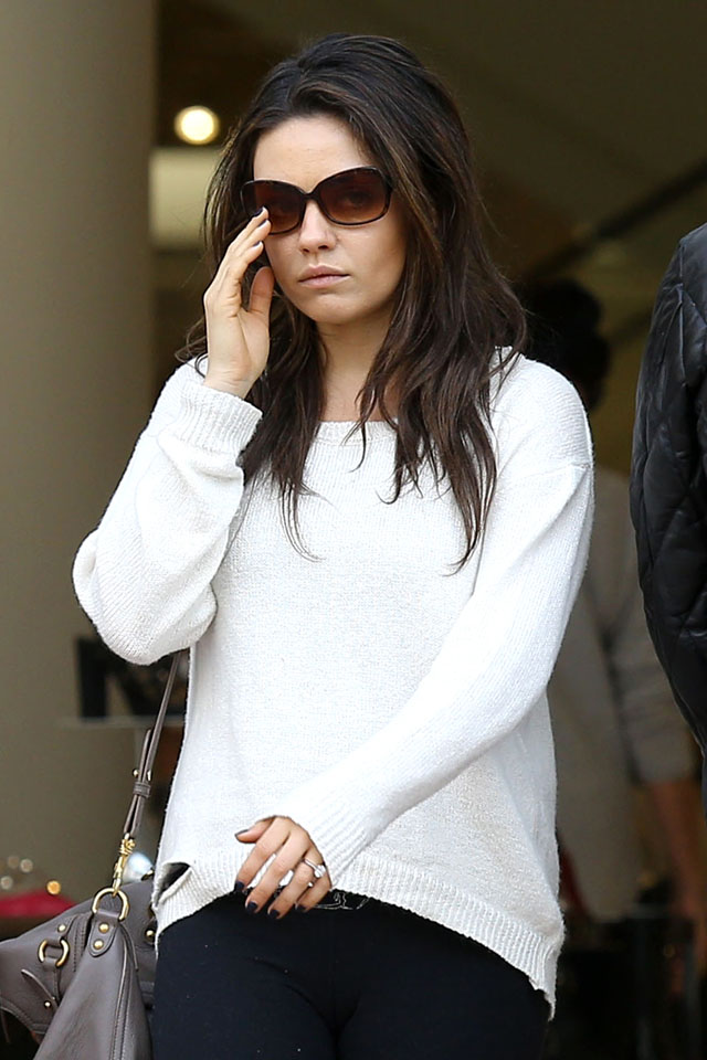 UK CLIENTS MUST CREDIT: AKM-GSI ONLY<BR/> Actress Mila Kunis fuels rumors that shejQuery19107630295467097312_1393581190071?s engaged to boyfriend Ashton Kutcher as she shows off a sparkling ring while out shopping today with her mom. <P> Pictured: Mila Kunis <P><B>Ref: SPL709653  270214  </B><BR/> Picture by: AKM-GSI / Splash News<BR/> </P><P> <B>Splash News and Pictures</B><br> Los Angeles: 310-821-2666<br> New York: 212-619-2666<br> London: 870-934-2666<br> photodesk@splashnews.com<br> </P>