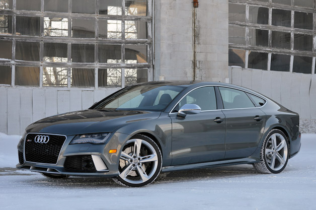 2014 Audi RS7 - front three-quarter view