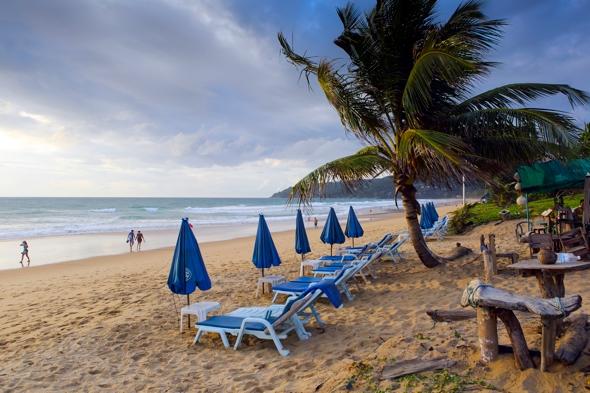 british-tourist-died-heart-attack-beach-thailand