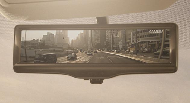 Nissan 的智能后视镜让你时刻看清楚车后状况(视频)
