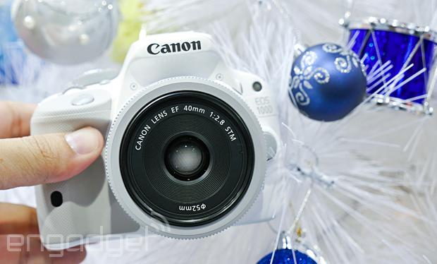 白色聖誕特別版 Canon EOS 100D 降臨台北資訊月,搭配白色餅乾鏡售價 NT$21,900