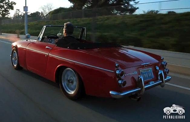 【ビデオ】1967年式ダットサン「フェアレディ」で巡る6万kmの旅