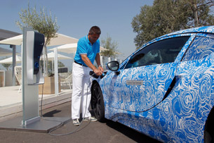 2014 BMW i8 Prototype charging