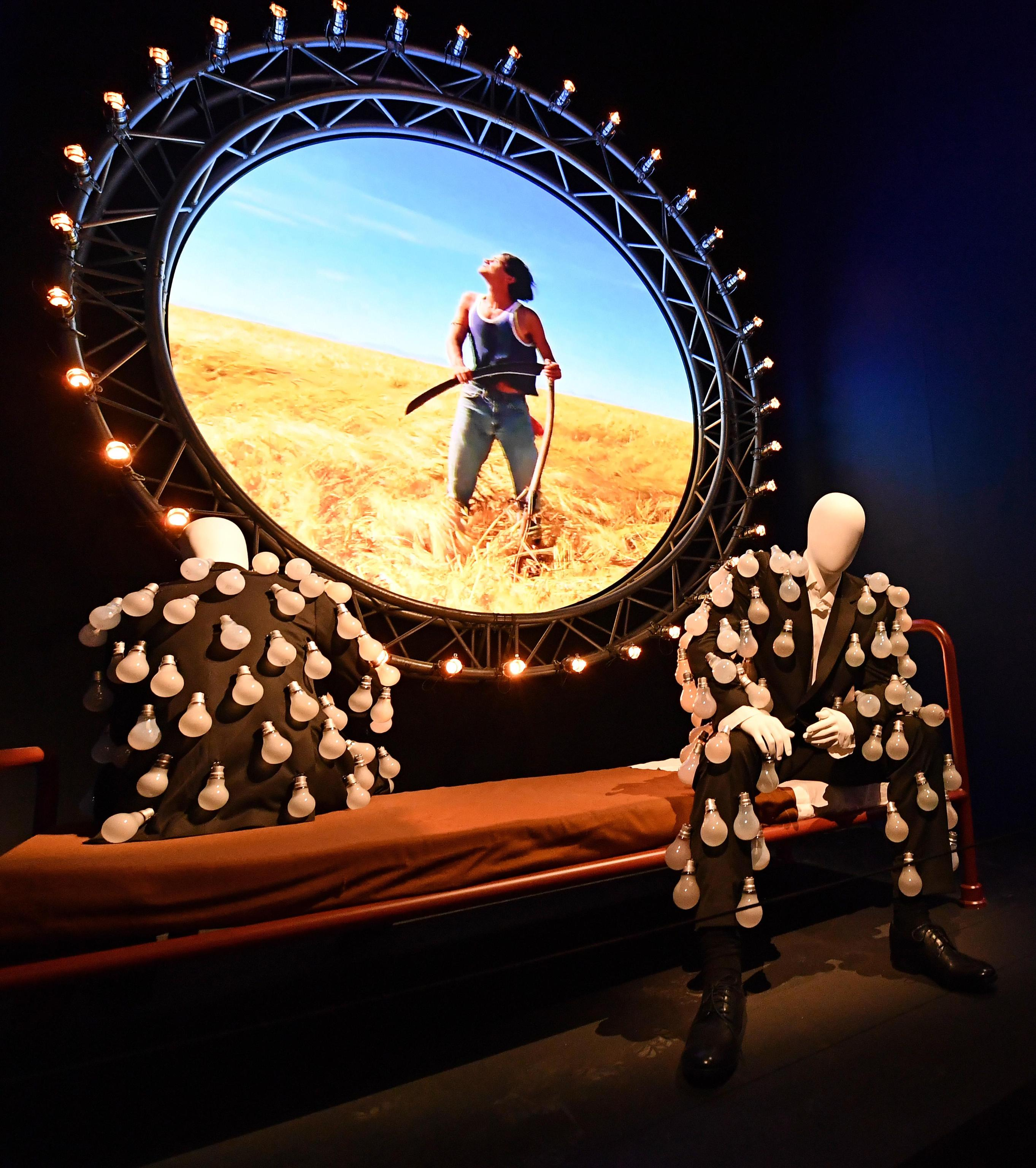 The pink floyd exhibition their mortal remains la for Pink floyd exhibition