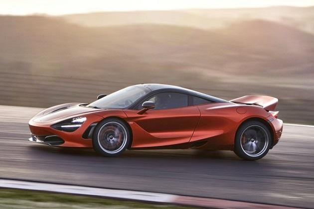 F1ドライバーの運転するスーパーカーでサーキット走行を体感できるイベントが、今年のF1グランプリ9戦で開催決定!