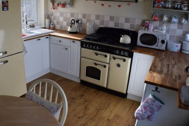 The kitchen of Christmas Cottage