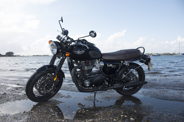 First Ride Triumph Bonneville T120 Black Aol